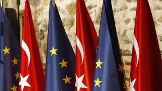 Ευρωπαία Επίτροπος: Η συνολική ατμόσφαιρα στις σχέσεις ΕΕ-Τουρκίας έχει βελτιωθεί