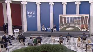 Live: Συζήτηση του Κ. Μητσοτάκη με τον πρόεδρο του ΣΕΤΕ Γ. Ρέτσο