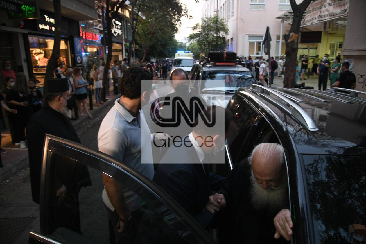 https://cdn.cnngreece.gr/media/news/2021/06/23/271313/photos/snapshot/ieronimos-kikilias-vitrioli-petraki-8.jpg