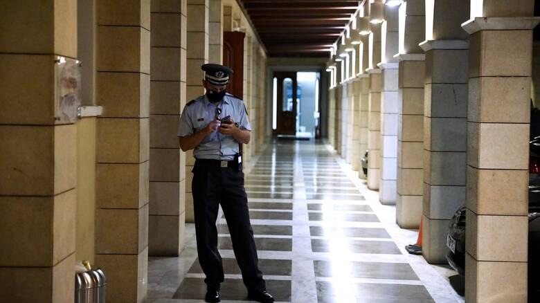 Επίθεση με βιτριόλι - Δικηγόρος ιερέα: Δεν έχει σώας τας φρένας
