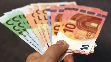 Μειώνονται μεσοπρόθεσμα οι έμμεσοι φόροι – Ο ρόλος του Ταμείου Ανάκαμψης