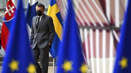 Σύνοδος Κορυφής: «Ζυγίζουν» αντιδράσεις Μέρκελ-Μακρόν για διάλογο με τον Πούτιν