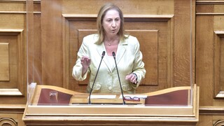 Ξενογιαννακοπούλου: Η κυβέρνηση παραδίδει την Επικουρική Ασφάλιση στα ιδιωτικά συμφέροντα