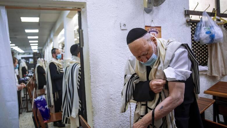 Κορωνοϊός - Ισραήλ: Επιστροφή της μάσκας καθώς η μετάλλαξη Δέλτα οδηγεί σε αύξηση κρουσμάτων
