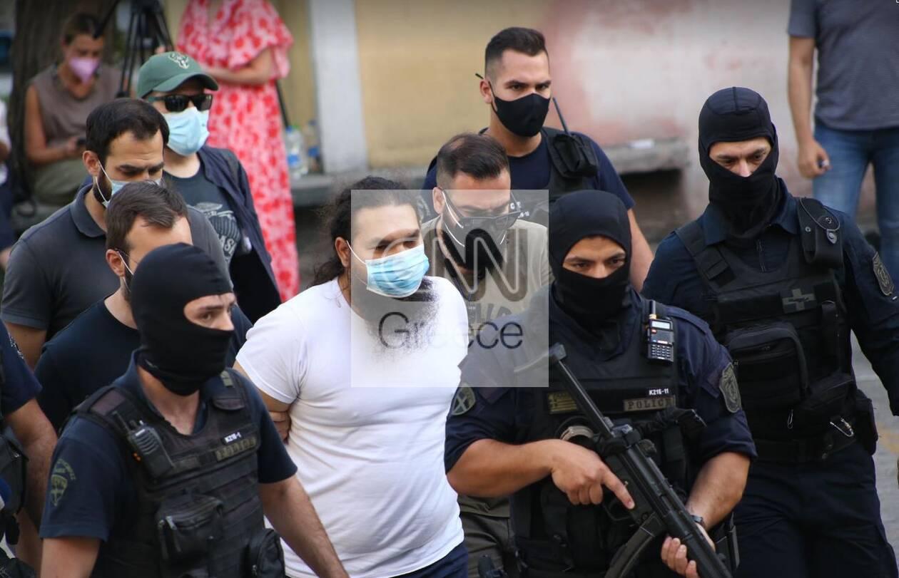 https://cdn.cnngreece.gr/media/news/2021/06/25/271521/photos/snapshot/iereas1.jpg