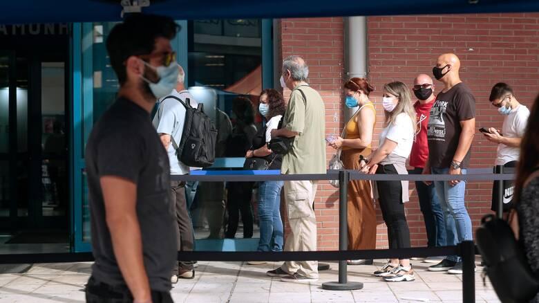 Τζανάκης: Η μετάλλαξη Δέλτα θα κυριαρχήσει στην Ελλάδα - Πιθανό το κλείσιμο περιοχών το καλοκαίρι