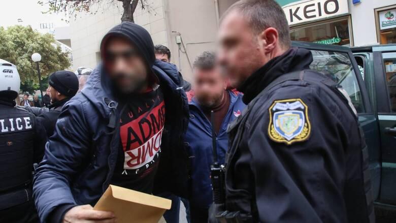 Ηράκλειο: Ισόβια και 33 χρόνια κάθειρξη στον 52χρονο για το φονικό στις Μοίρες
