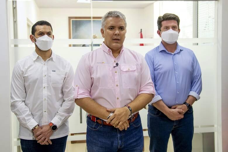 Στόχος πυρών το ελικόπτερο του προέδρου της Κολομβίας Ιβάν Ντούκε