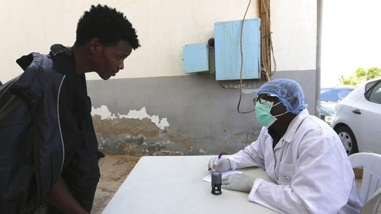 Τυνησία: Τα νοσοκομεία είναι 90% γεμάτα ασθενείς με κορωνοϊό - Ασθενής και ο πρωθυπουργός