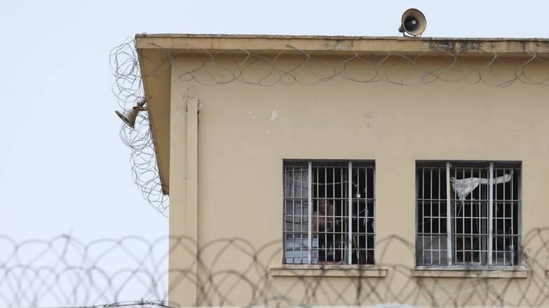 Θανάσιμη συμπλοκή στις φυλακές Αγιάς: Μαχαίρωσαν κρατούμενο στην καρδιά