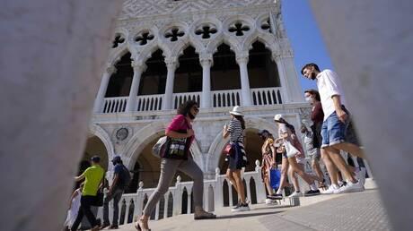 Ιταλία - Κορωνοϊός: «Λευκή ζώνη» όλη η χώρα - Τέλος οι μάσκες στους εξωτερικούς χώρους