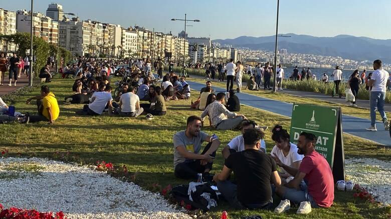 Κορωνοϊός - Τουρκία: Πλήρης άρση των περιορισμών κυκλοφορίας από 1η Ιουλίου καθώς υποχωρεί το κύμα
