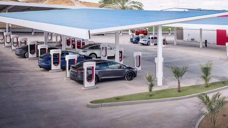 Η Tesla θα ανοίξει το δίκτυο των ταχυφορτιστών της και για άλλα ηλεκτρικά μοντέλα
