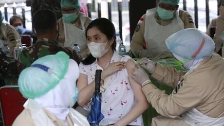 Στα πρόθυρα «καταστροφής» λόγω της πανδημίας η Ινδονησία