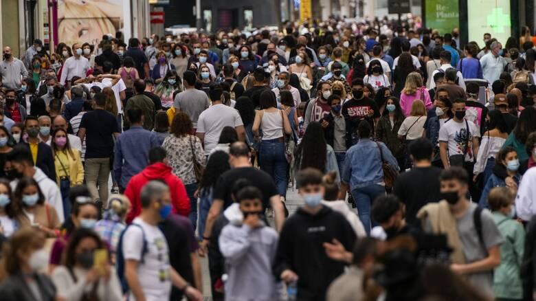 Προειδοποίηση ΠΟΥ σε Ευρώπη: Πειθαρχία ή νέο κύμα κορωνοϊού - Αυξήθηκαν επικίνδυνα τα κρούσματα