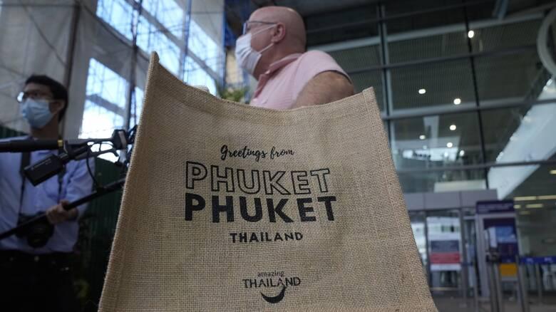 Σε συναγερμό η Ταϊλάνδη: Νέο αρνητικό ρεκόρ νεκρών από κορωνοϊό
