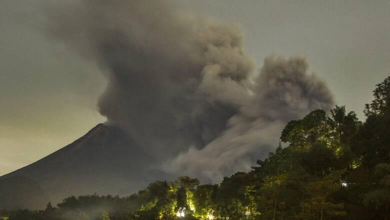 Φιλιππίνες: Ηφαίστειο εκλύει τοξικό αέριο κοντά στη Μανίλα