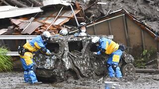 Ιαπωνία: Διασώστες αναζητούν επιζώντες μέσα στις λάσπες