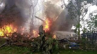 Τραγωδία στις Φιλιππίνες: Τουλάχιστον 17 νεκροί από τη συντριβή στρατιωτικού αεροσκάφους