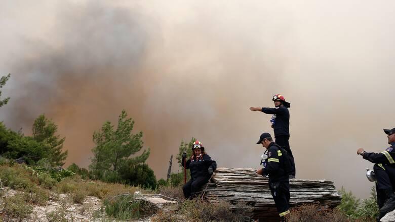 Κεφαλονιά: Καλύτερη η εικόνα της μεγάλης φωτιάς - Απομακρύνθηκε ο κίνδυνος για τους οικισμούς
