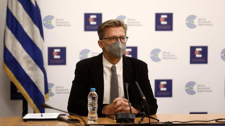Σκέρτσος:  Η τακτική διάγνωση, αναγκαίο «διαβατήριο» ψυχαγωγίας για τους μη εμβολιασμένους