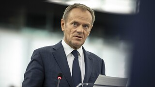 Ο Ντόναλντ Τουσκ αποχωρεί από την προεδρία του Ευρωπαϊκού Λαϊκού Κόμματος