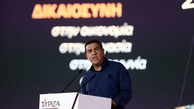 Τσίπρας στη Συνδιάσκεψη ΣΥΡΙΖΑ: Να στρίψουμε Αριστερά για να κερδίσουμε το Κέντρο