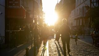 «Η πόλη ξυπνά»: Μια φωτογραφική έκθεση για το Παρίσι που βγαίνει από το λήθαργο της καραντίνας