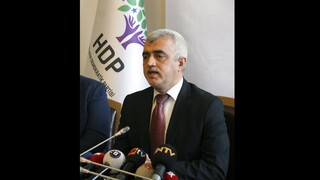 Τουρκία: Αποφυλακίζεται ο βουλευτής του HDP Ομέρ Φαρούκ Γκεργκερλίογλου