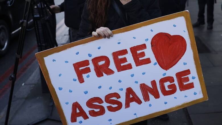 «Ελευθερώστε τον Ασάνζ» – Κοινή επιστολή ΜέΡΑ25 και ΣΥΡΙΖΑ σε Μπάιντεν