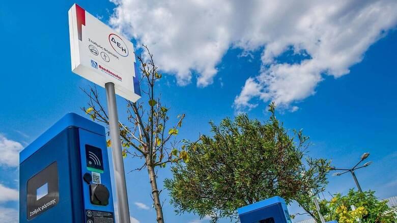 ΑΒ Βασιλόπουλος και ΔΕΗ δημιουργούν το μεγαλύτερο δίκτυο φόρτισης ηλεκτρικών αυτοκινήτων πανελλαδικά