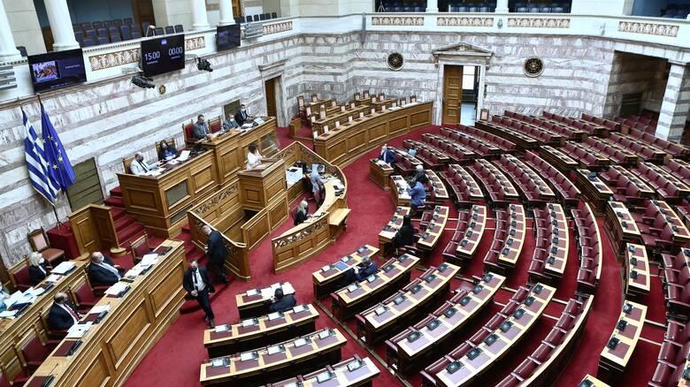 Κόντρα στη Βουλή για την ψηφιακή εφαρμογή εγκυρότητας των πιστοποιητικών
