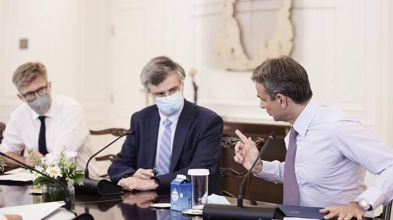 Υποχρεωτικοί εμβολιασμοί: Τα ορόσημα και οι φάσεις του κυβερνητικού σχεδίου