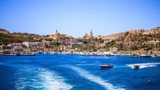 Μάλτα: Η πρώτη χώρα στην ΕΕ που απαγορεύει την είσοδο στους ανεμβολίαστους