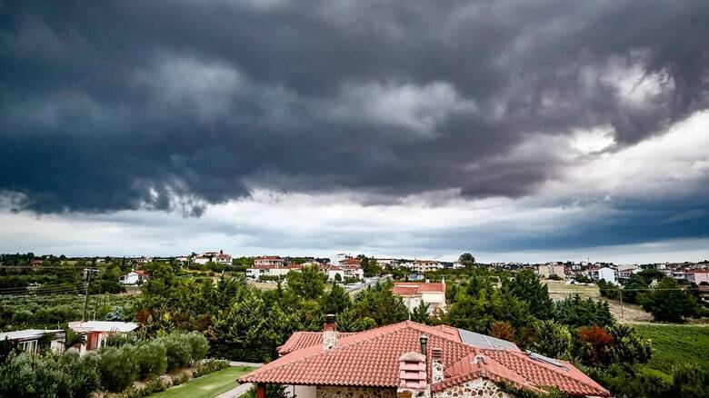 Καιρός: Χωρίς μεταβολή η θερμοκρασία το Σάββατο - Πού αναμένονται βροχές και καταιγίδες