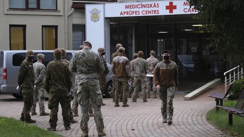 Κορωνοϊός - Λετονία: Υποχρεωτικός ο εμβολιασμός για τους επαγγελματίες στρατιωτικούς
