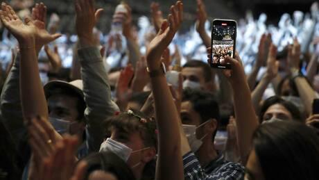 Κορωνοϊός: Κλείνουν τα κλαμπ σε Καταλονία, Ολλανδία - Ανοίγουν στη Γαλλία