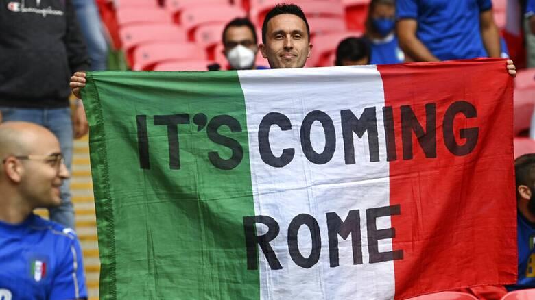 Τελικός Euro 2020 - «Forza Azzurri!»: Η Ούρσουλα φον ντερ Λάιεν με φανέλα της Εθνικής Ιταλίας