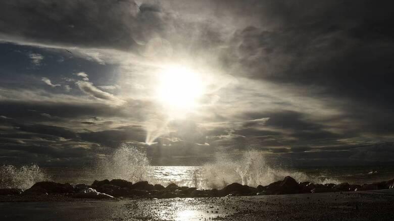 Καιρός: Συννεφιά και βροχές σήμερα - Ποιες περιοχές θα επηρεαστούν