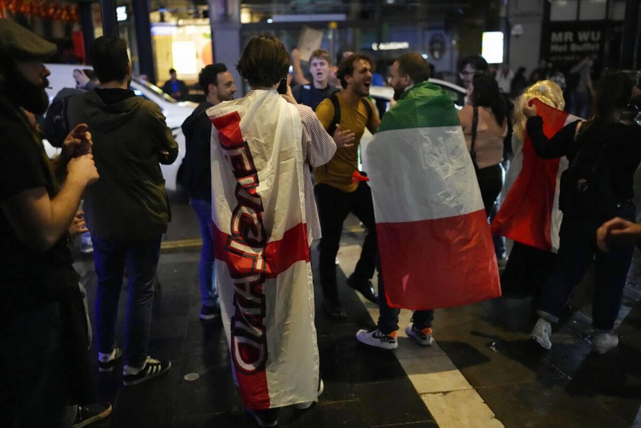 https://cdn.cnngreece.gr/media/news/2021/07/12/273734/photos/snapshot/italia_euro-6.jpg