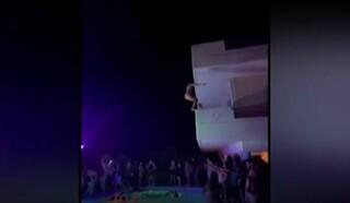 Χαλκίδα: Ξέφρενο κορωνοπάρτι σε βίλα με βουτιές από τα μπαλκόνια στη πισίνα