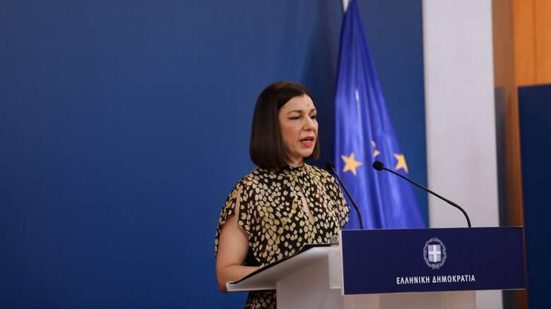 Πελώνη: Μέχρι αύριο από τον πρωθυπουργό οι ανακοινώσεις για τους υποχρεωτικούς εμβολιασμούς
