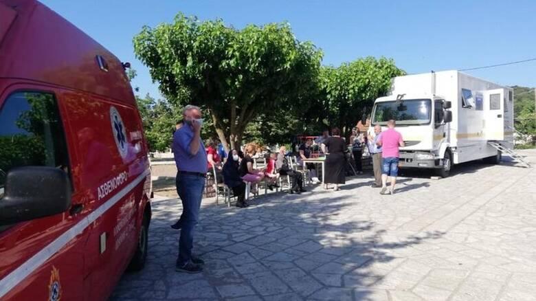 Ξεκίνησαν οι εμβολιασμοί σε ορεινά χωριά της Στερεάς Ελλάδας
