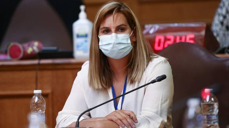 Σ. Μπεκατώρου στη Βουλή: Δεν υπάρχει άνθρωπος στις ομοσπονδίες για καταγγελίες παρενόχλησης
