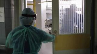 Κορωνοϊός: Προς νέα αύξηση κρουσμάτων σήμερα - Ανησυχία για την πίεση στα νοσοκομεία