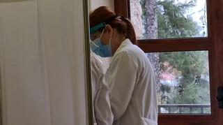 Υποχρεωτικός εμβολιασμός: Ποιους αφορά - Άδεια άνευ αποδοχών σε όσους αρνούνται