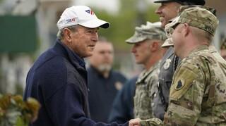 Παρέμβαση Τζορτζ Μπους: Σφάλμα η αποχώρηση από το Αφγανιστάν, θα το πληρώσουν οι Αφγανές