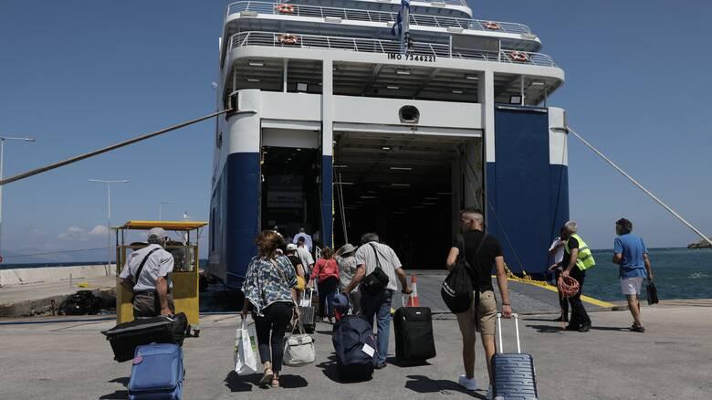 Κορωνοϊός - Πλακιωτάκης: Στο Λιμενικό ο έλεγχος της επιβίβασης στα πλοία
