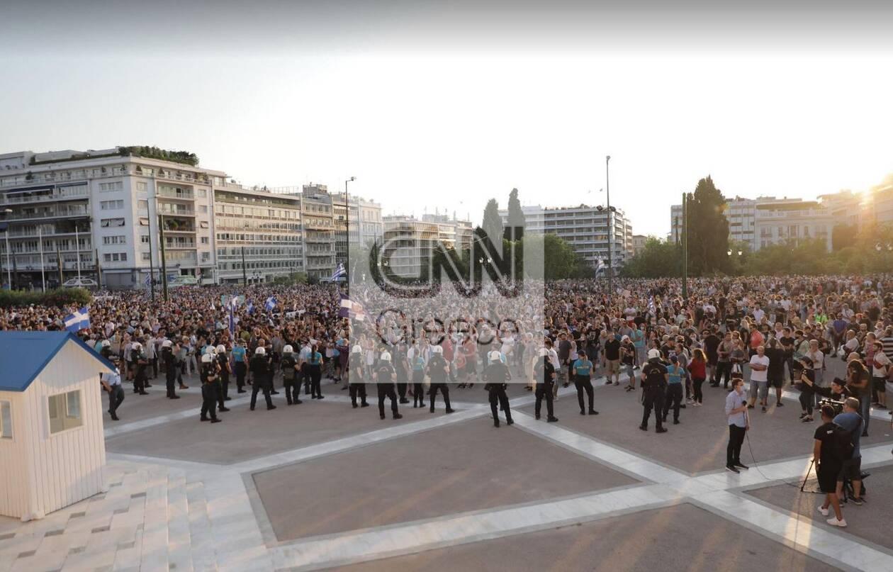 https://cdn.cnngreece.gr/media/news/2021/07/14/274118/photos/snapshot/antiem5.jpg