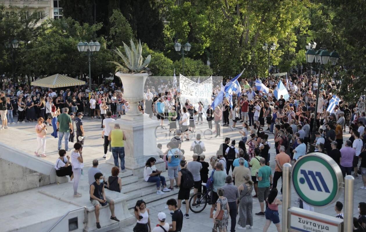 https://cdn.cnngreece.gr/media/news/2021/07/14/274118/photos/snapshot/antiemv1.jpg